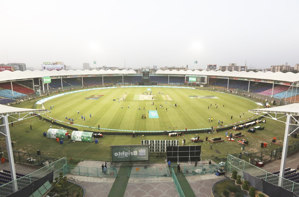 Pakistan postpones T20 league after player shows coronavirus symptoms